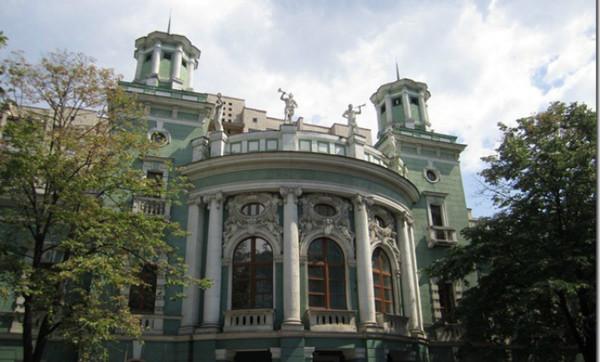 Суд в Киеве не допустил отчуждения из госсобственности здания бывшего ипподрома на Печерске, которое является памятником культнаследия