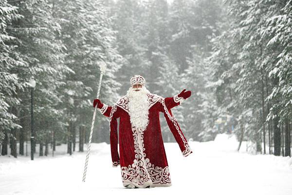 Все большее количество киевлян хотят видеть на новогоднем празднике Святого Николая или Санта-Клауса