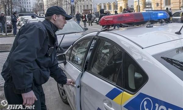 Для столичной полиции запустили проект бесплатного обучения английскому языку