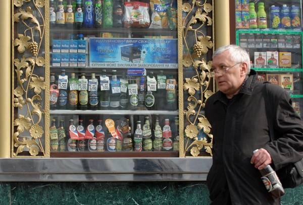 """В Киевсовете не сдаются - уже зарегистрирован проект решения, которое """"вычеркнет возможность"""" продажи алкоголя"""