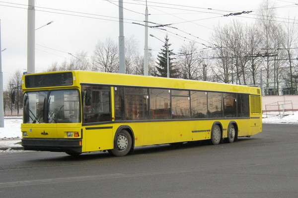 """В КГГА заявили, что выделят полосу для общественного транспорта, по которой пустят """"наземное метро"""""""