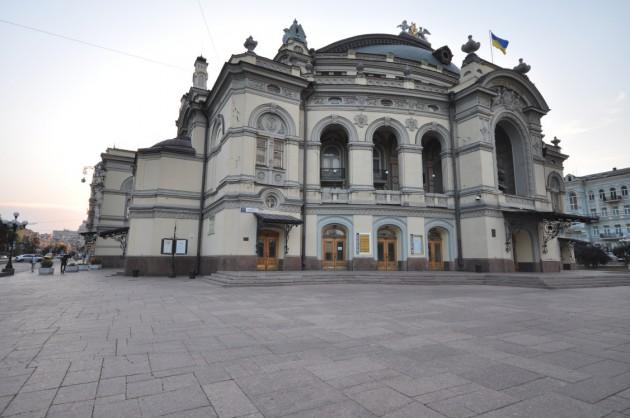 Национальная опера Украины им. Т. Г. Шевченка, 2012 год. (Фото: Flickr. Пользователь Jorge Láscar, Австралия)
