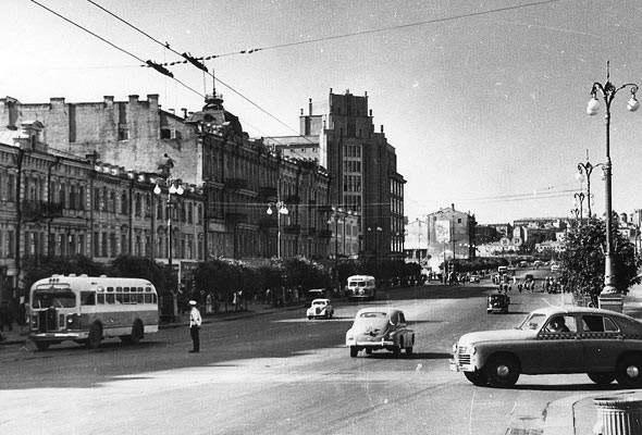 1930-е годы. Вид на ЦУМ. (Фото: oldkiev.ho.ua)