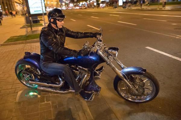 Кличко проехался с байкерами по Крещатику. Видео