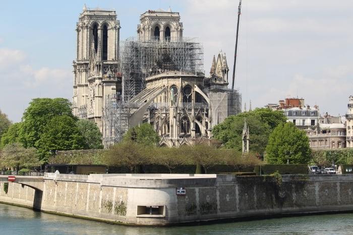 Стало известно, на сколько лет закроют парижский Нотр-Дам