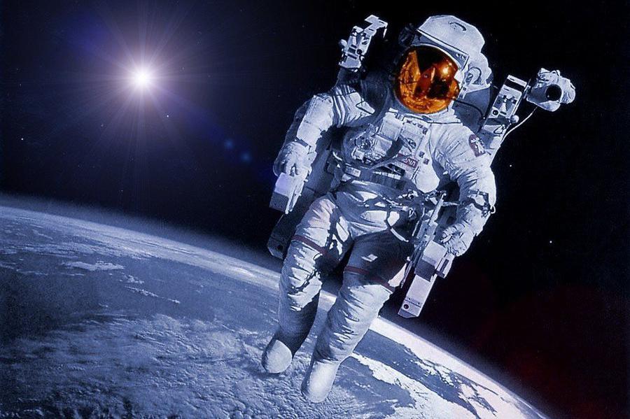 NASA будет организовывать туристические поездки в космос