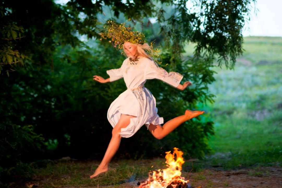 В Киеве Ивана Купала отметят прыжками через костер и плетением венков