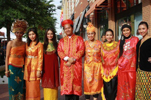 В Индонезии создали Tinder для поиска второй и третьей жены