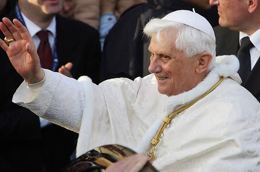 Медиавакханалия против Папы