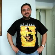 Никита Потураев в футболке, выпущенная к концерту Маккартни