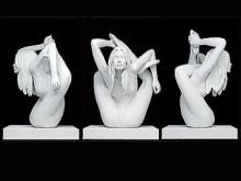 """Гипсовая модель статуи Кейт Мосс работы Марка Куинна (""""Сфинкс"""")."""