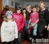Александра Николаенко подарила детям валенки звезд Голливуда