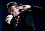 Джордж Майкл дарит поклонникам рождественскую песню