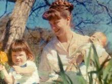 Сильвия Плат с детьми Фридой и Николасом (1962 г.)