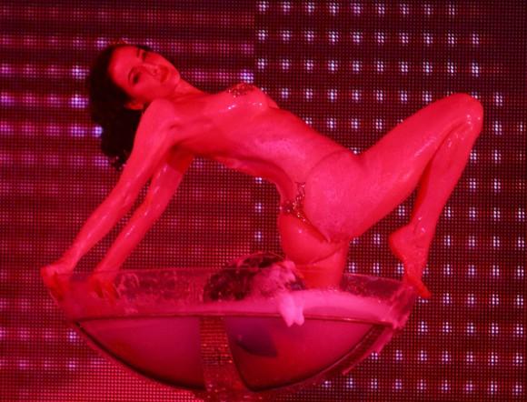 Дита фон Тиз выпускает эротическое DVD. Видео