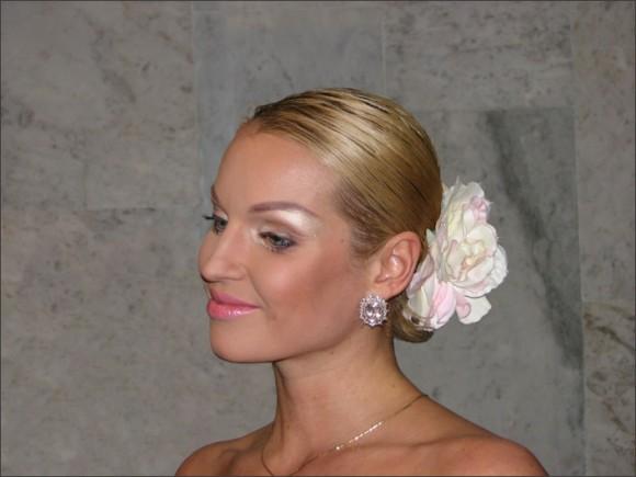 Анастасия Волочкова уже придумала эскиз свадебного платья
