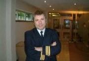 Фронтмену Iron Maiden запретили управлять самолетом