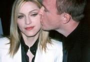 Мадонна жалеет о разводе с Гаем Ричи? Фото