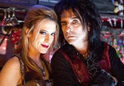 Звезды рока Игги Поп и Элис Купер снялись в трэш-комедии про вампиров