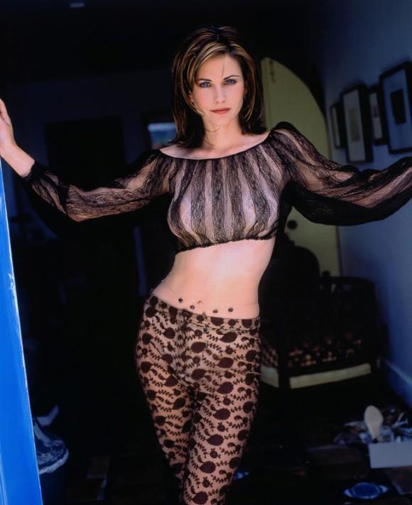 Кортни Кокс снялась в стильной фотосессии для InStyle. Фото