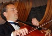 Французский виолончелист выступит на берегу Азовского моря