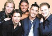 Boyzone выпустят альбом в память о погибшем вокалисте