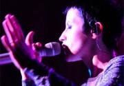 The Cranberries прервали турне из-за болезни вокалистки