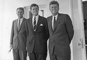 Роберт де Ниро и Морган Фримен перевоплотятся в братьев Кеннеди