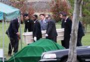 Саймон Монджак похоронен рядом с Бриттани Мерфи