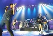 Румынских таможенников уволили за выставленный AC/DC штраф