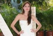 """Анджелина Джоли начала рекламировать """"Солт"""". Фото"""