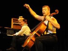 французский комедийный дуэт «Дуэль». Фото с сайта musicalolympus.ru