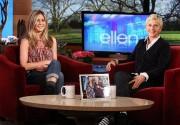 Дженнифер Энистон побывала на шоу Эллен Дедженерес. Фото