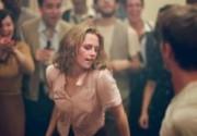 Появились первые кадры нового фильма с Кристен Стюарт и Гарреттом Хедлундом. Фото