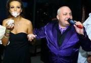 Маша Фокина получила тортом в лицо