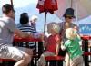 Наоми Уоттс устроила детский праздник. Фото