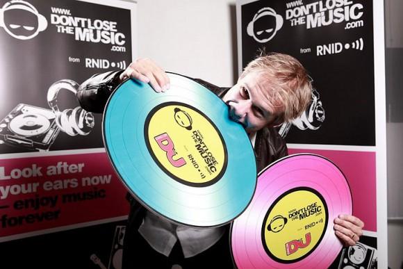 Armin van Buuren отыграет сет в клубе D*LUX