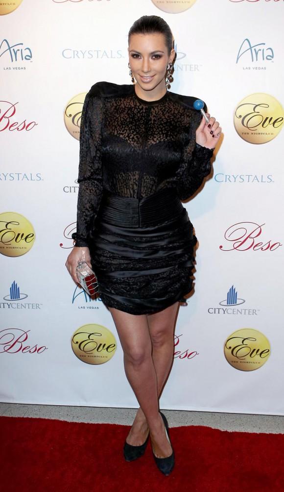 Ким Кардашян застукали без макияжа