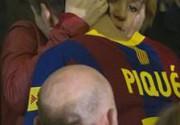 Шакира утешила Пике после проигрыша на глазах у всех. Фото