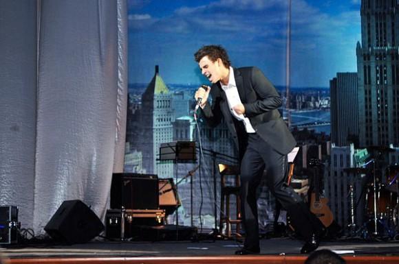 Кирилл Туриченко презентовал новый хит «Это просто мои слова»