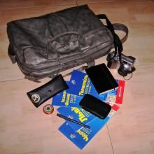 Содержимое сумки Алекса