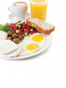 Завтрак с курицей или сосисками -59 грн