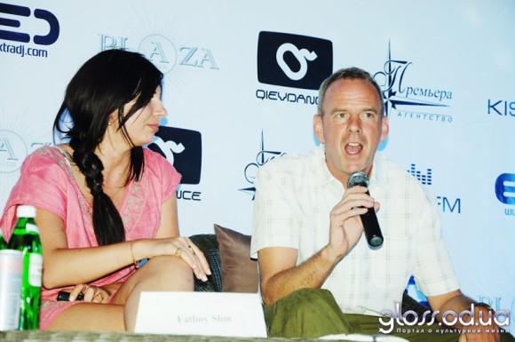 Фото с пресс-конференции