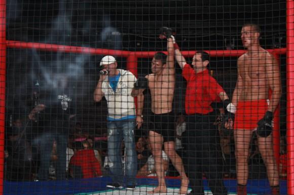 Поединок Олейник vs Исаков