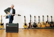Ричард Гир продает свою коллекцию гитар