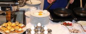 Обзор завтраков в гостиницах Киева