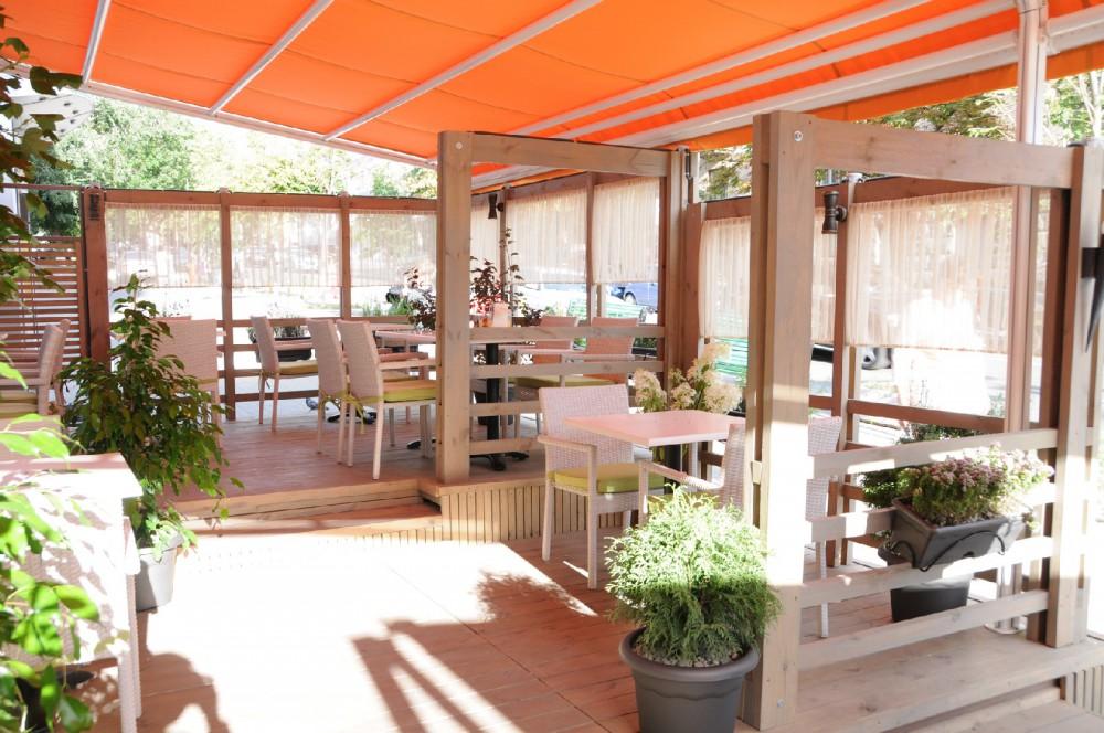 Американский ресторан «Beefy`s» приглашает Вас посетить свою новую  летнюю террасу