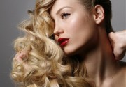 Beauty Salon Natasha Balabanova дарит каждому клиенту, записавшемуся на окрашивание, укладку в подарок