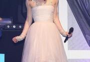 Кира Найтли носит свадебное платье без повода