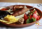"""Ливанские тарелки в ресторане ближневосточной кухни """"Чечевица"""""""
